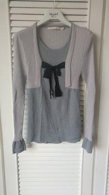 【CHARIN YEH】葉珈玲 灰色假兩件式黑蝴蝶結羊毛衫
