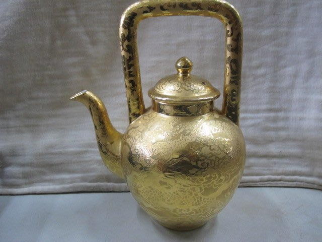 二手舖 NO.2175 金門宏玻陶瓷廠造 24k黃金茶壺 壺身為龍紋