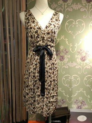 晶采臻品:BCBG真品~棕色深V真絲洋裝~特價1780