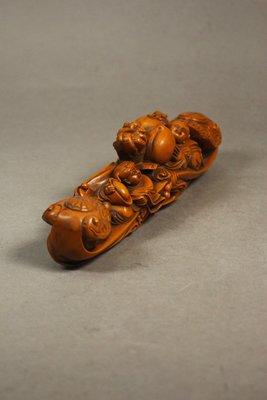 悅年堂 --- 黃楊木 雕 童子抱桃 ...