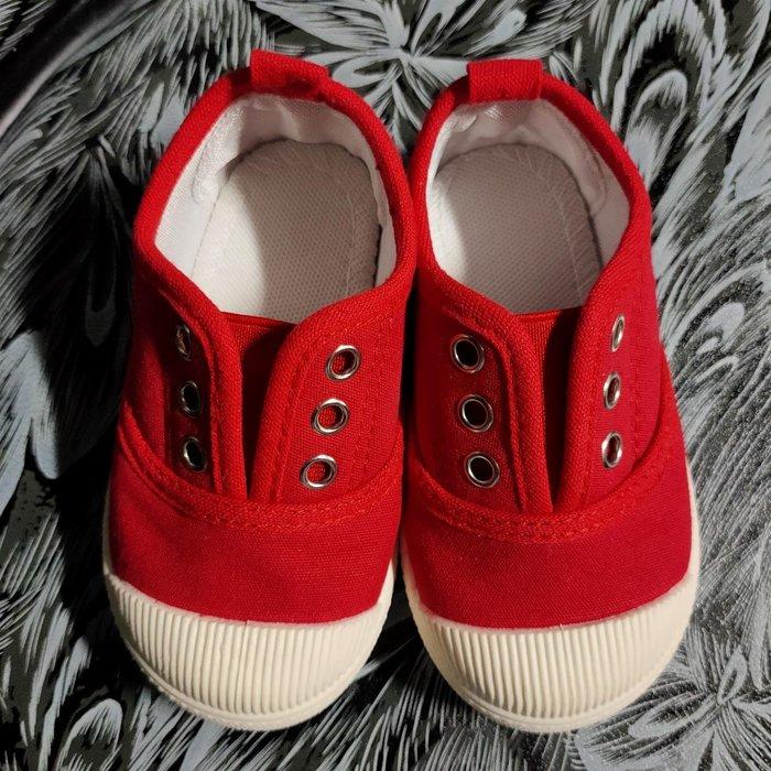 紅鞋內長約14cm