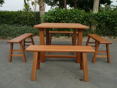 A014 {崙頂傳統原木家具行}~杉木實木桌配板凳【接受訂作】