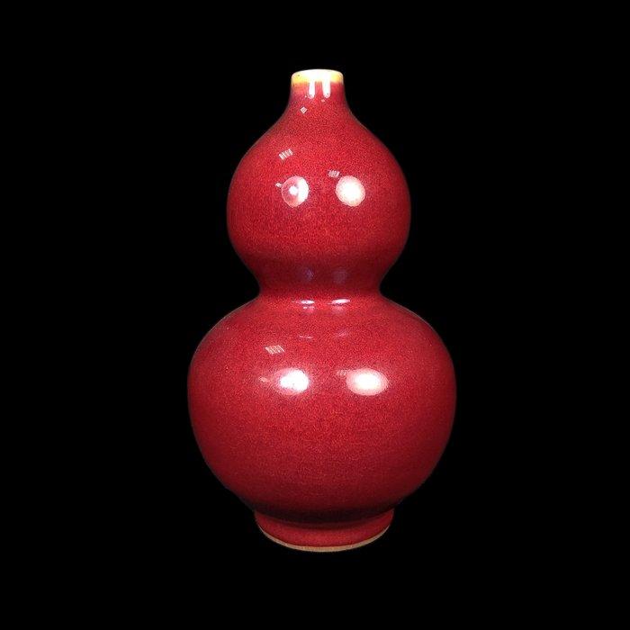《博古珍藏》清乾隆.霽紅釉葫蘆瓶.老件花瓶瓷器.宮廷珍藏.非琺瑯彩粉彩青花釉裡紅茶壺茶杯盤筆筒.底價回饋