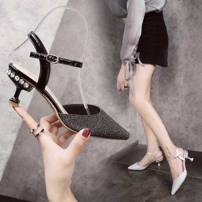 日和生活館 涼鞋時尚亮片包頭搭扣水鉆尖頭細跟高跟鞋女鞋S686