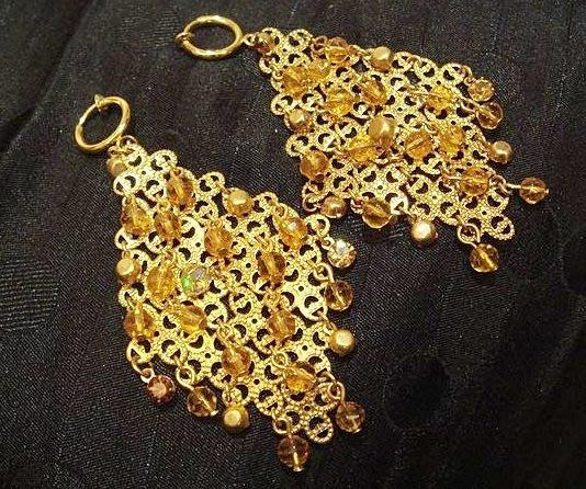 國外帶回,金色奢華菱型配串珠垂墜設計款夾式耳環,低價起標無底價!本商品免運費!