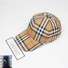 Burberry格子板帽