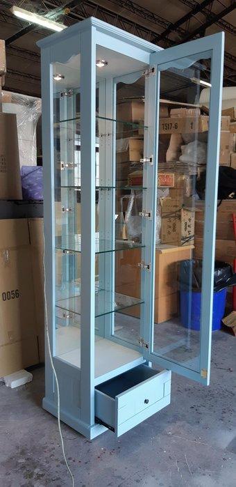 美生活館 鄉村定製家具 客製化 紐松原木 單抽單門玻璃櫃 藍灰色 展示櫃 三面玻璃加鏡子加燈加鎖 觸控開關 收藏品收納櫃