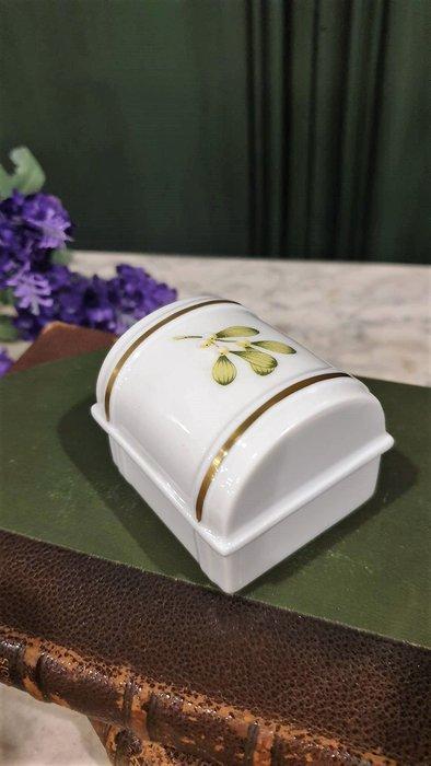 【卡卡頌 歐洲古董】法國老件 Limoges  利摩日  綠葉小果實  細膩瓷盒  珠寶盒 小物盒 p1792 ✬