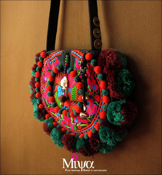 竹竹中國服飾---中國風/民族/民族風手工毛球刺繡配皮斜挎包帆布包 心晴 (特價品)