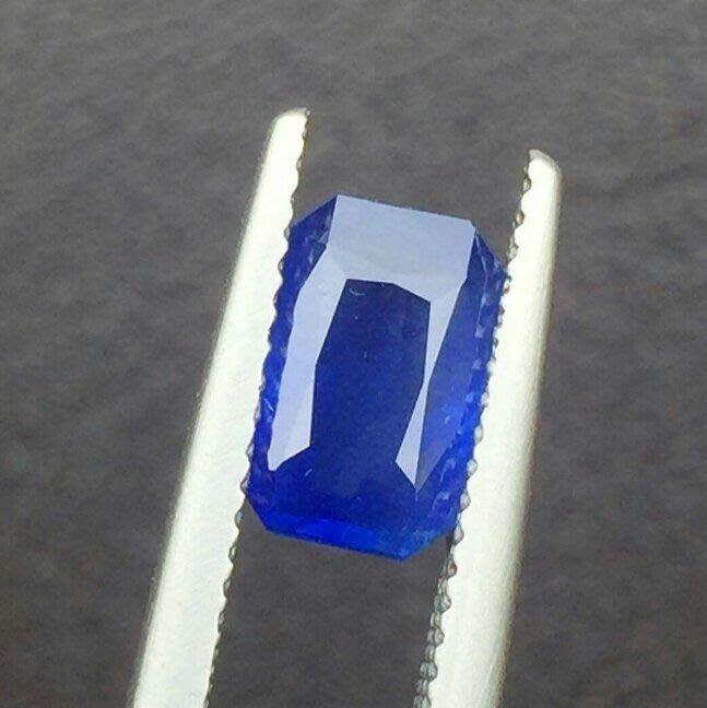 頂級品—1.78克拉無燒矢車菊藍藍寶石附國際證 [藍寶迷的家]