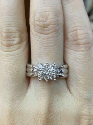 總重50分天然鑽石戒指,視覺效果2克拉以上,鑽石超白超閃,出清價25800元,只有一個要買要快,使用厚金白K金戒台,2.4錢重戒台超有質感