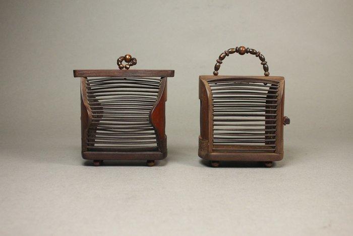 悅年堂 --- 紅木 蟈蟈籠 蛐蛐籠 蟋蟀罐 籠子 共兩件