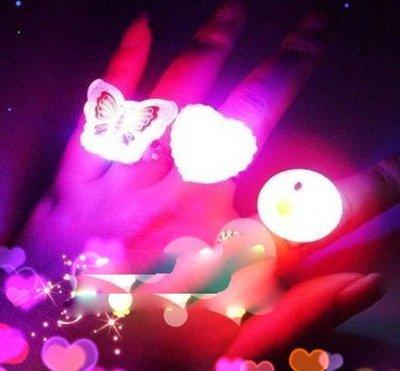 【夜市王】閃光軟膠戒指 發光戒指 發光手指燈 閃光手指燈 閃光玩具軟膠戒指1個9元