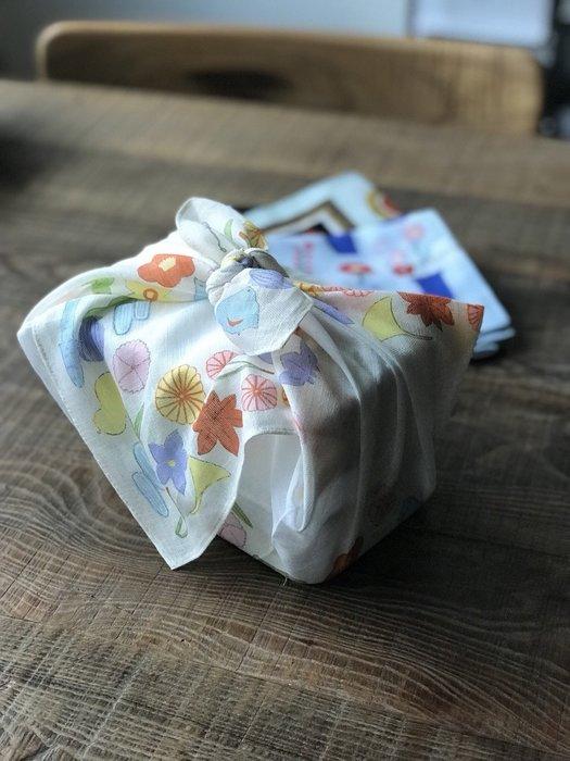 發現花園 日本選物~日本製 山本仁商店  手帕 可當便當包巾