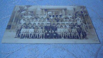 藍色小館10-13--------日據時.全體師生照