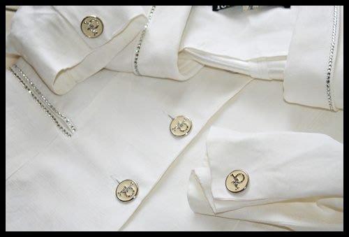 義大利頂尖奢侈品牌【ROCCO BAROCCO】黑標白色施華洛世奇水鑽RB扣西裝上衣