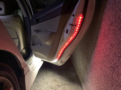 ECOSPORT/RANGER/KUGA/FOCUS/MONDEO/ESCORT 車門警示燈 (完工價)