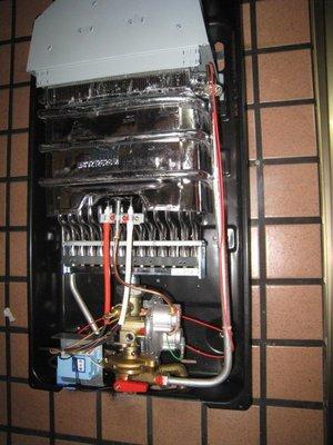 高雄 瓦斯熱水器維修(維修零件 修理零件) 可到府服務