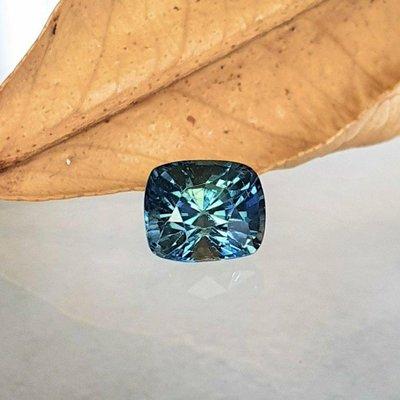 揚邵一品( 附國際證)1.16克拉綠色藍寶石 天然無燒 細緻特殊色 豐富細膩色彩 難得一見 錯過難尋 值得擁有 綠色剛玉