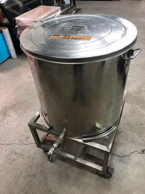 達慶餐飲設備 八里展示倉庫 二手商品 湯桶+下置抬