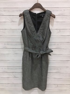 Maple麋鹿小舖 Banana Republic * Banana 灰黑色V領設計無袖洋裝 * ( 現貨2/4號 )