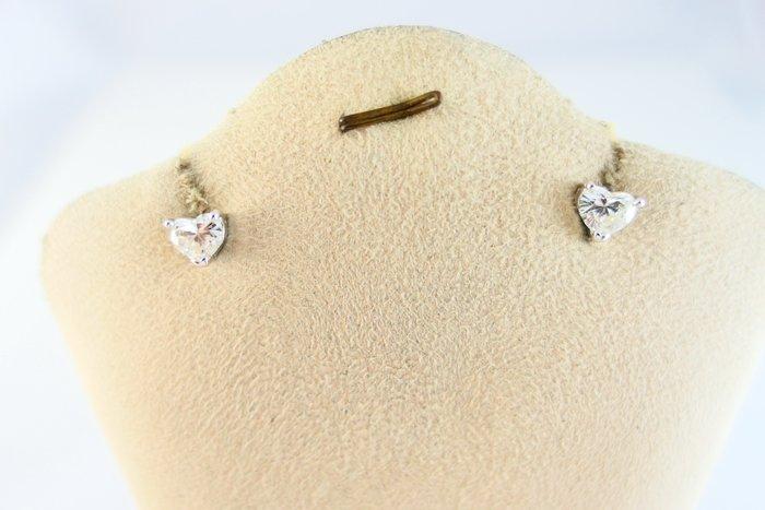[吉宏精品交流中心]1.02克拉(2P) 心形 天然鑽石 白K金 造型 耳環