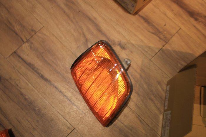 DJD19032629 BENZ 賓士 W124 E-CLASS 全黃原廠型 角燈 一顆250