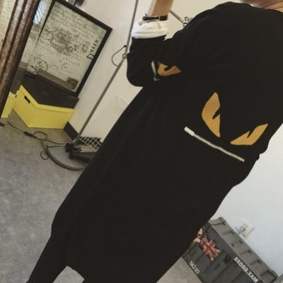 【Casi Cielo】韓國訂單 俏皮眼睛 超質感 無敵柔軟 無扣針織外套 罩衫 大衣 風衣(黑色) 韓妮 可樂果