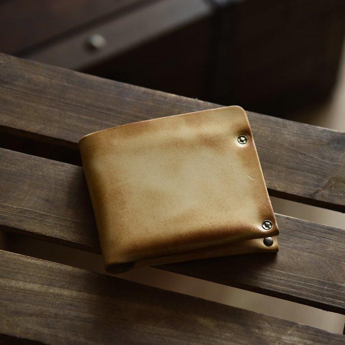 ~皮皮創~原創設計手作真皮錢包。頭層植鞣牛皮擦色做舊短夾 兩折純牛皮錢夾 極簡設計薄款