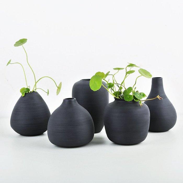 熱賣歐式螺紋黑色小花瓶擺件茶幾插花干花陶瓷裝飾品酒柜簡約現代擺設#擺件#陶瓷#北歐