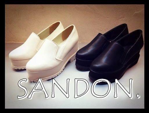 EMODA × 山東 ~SLY 日本雜誌熱賣黑白高厚底楔型粗跟鞋