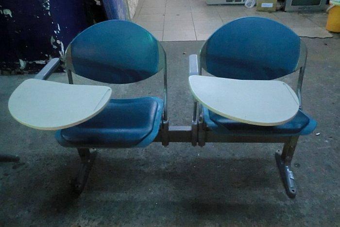 樂居二手家具*S201兩人座收納課桌椅/等候椅*課桌椅 等候椅 大學椅 等待椅 二手課桌椅 中古補習班桌椅