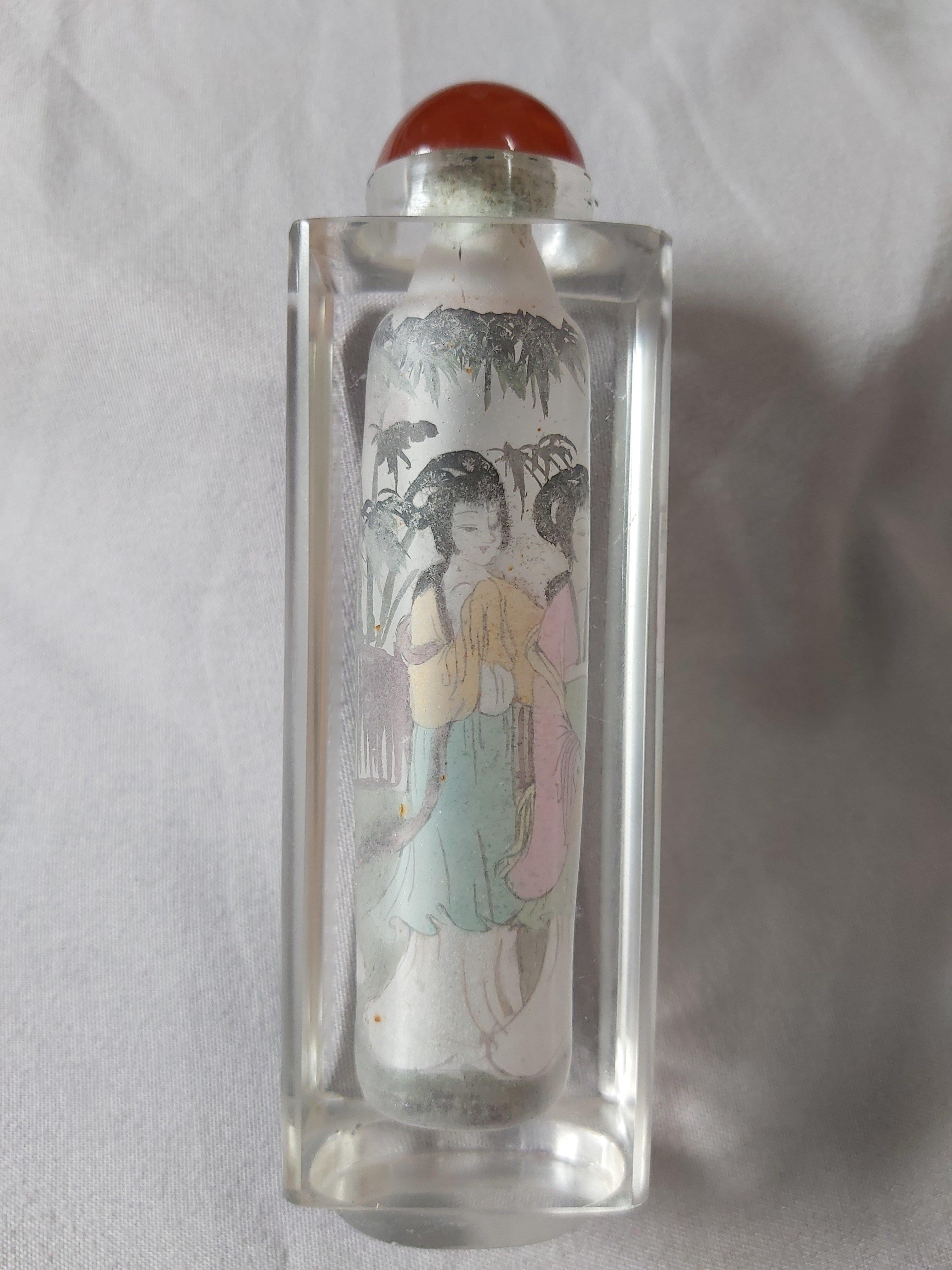 水晶玻璃內畫鼻煙壺,高10cmx寬3.5cm