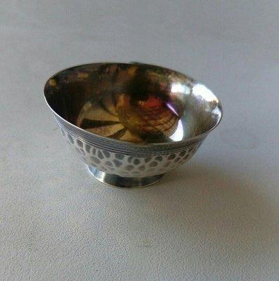 日本早期精緻純銀小銀杯。俗賣出清。
