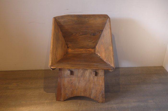 ㊣大匠之風㊣老件改造**樟木漏斗扶手椅/泡茶椅/書桌椅/辦公椅*另有實木原木紅木明式傢俱*