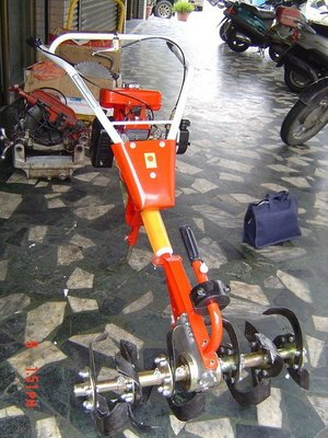 全新U-MO引擎無輪式中耕機(小牛)混泥土攪拌-----免運費*未稅