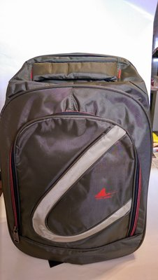 全新 PAUL BRILL 多功能後背包 型號:PB-1377 顏色:軍綠色 尺寸:45 x 30 x 底寬15cm