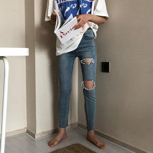 周董的店 顯瘦丹寧現貨供應 雙抓破洞小腳九分牛仔褲