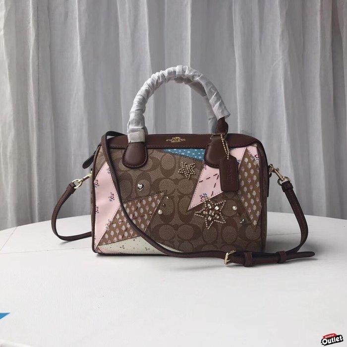 【全球購.COM】COACH 67370 新款女士徽章波士頓包 水晶鑲嵌 單肩斜挎包 美國代購