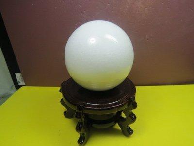 【競標網】天然罕見西藏白玉石球1.3公...