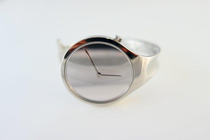 [吉宏精品交流中心]GEORG JENSEN 喬治傑生 GJ 226 34mm 朵蘭 手鐲 M號 女錶(盒卡全)