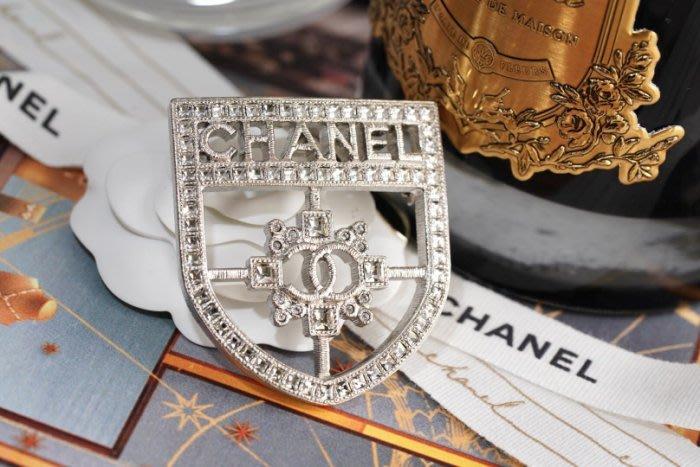 Chanel A85908 Brooch 徽章水晶別針