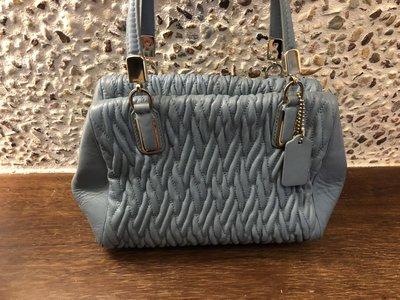 Coach藍色皺褶手提斜背包跟Coach彩條絲綢手提包2個包