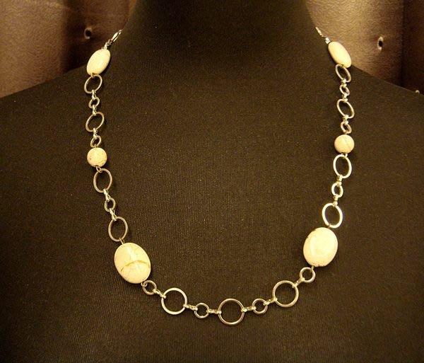 全新典雅天然白紋石合金造型項鍊,有型的你不能錯過喔!低價起標無底價!本商品免運費!