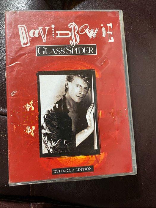西洋男歌手 DAVID BOWIE  Dvd 八成新有刮傷+2cd九成新沒有刮傷 塑膠盒嚴重破損