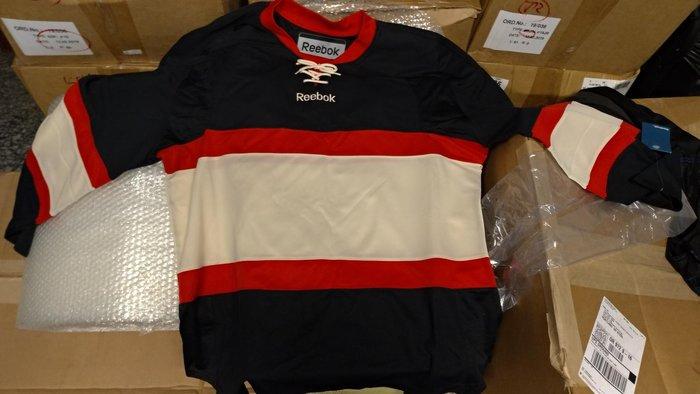 CCM 15000 NHL球隊配色(無LOGO) 芝加哥黑鷹隊 球衣襪套組 SR成人尺寸