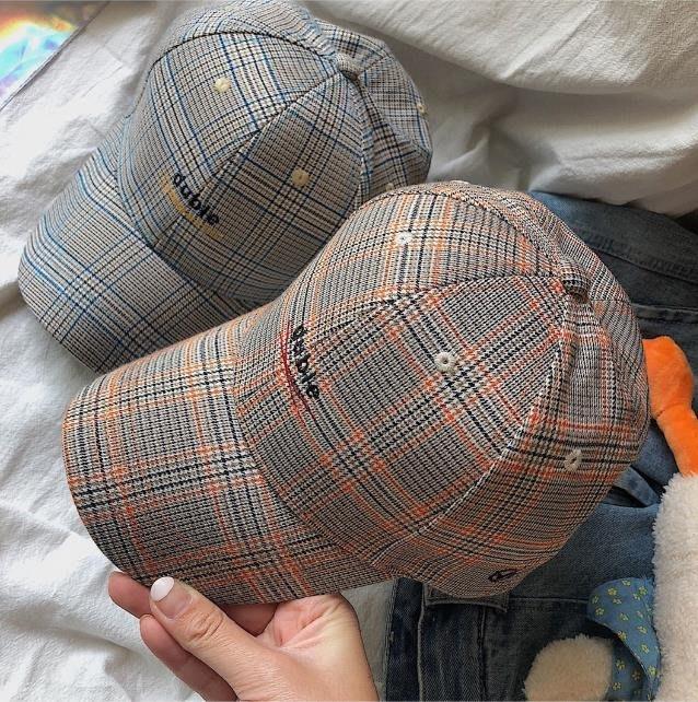哈尼 免運韓國復古艺文字母刺繡千鳥格子鴨舌帽情侶棒球帽7102488 現貨 實拍