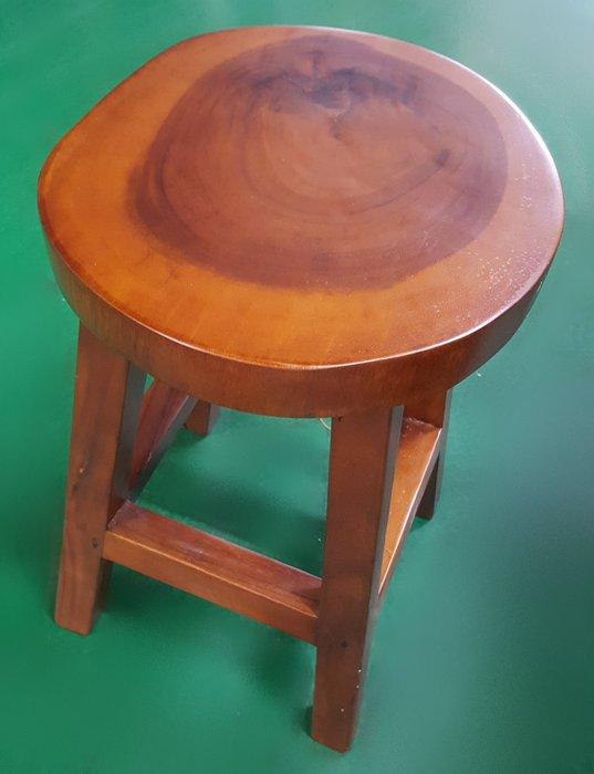 二手家具買賣推薦宏品二手傢俱館原木家具 家電EA52202GEE原木椅 台中 新竹二手家具二手