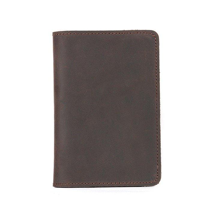 《現貨》時尚 質感 氣質 瘋馬皮真皮護照夾  男女同款 出國必備好幫手 超級好用 Baonizi