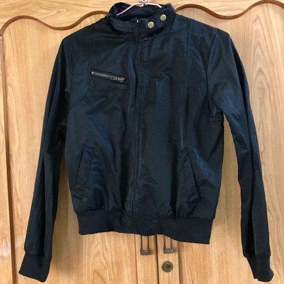 黑色長袖風衣外套
